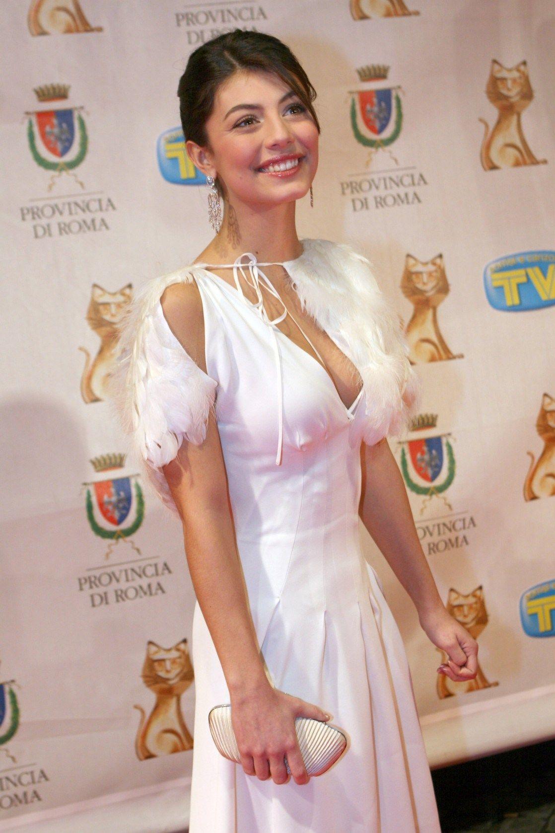Hot Alessandra Mastronardi nude photos 2019