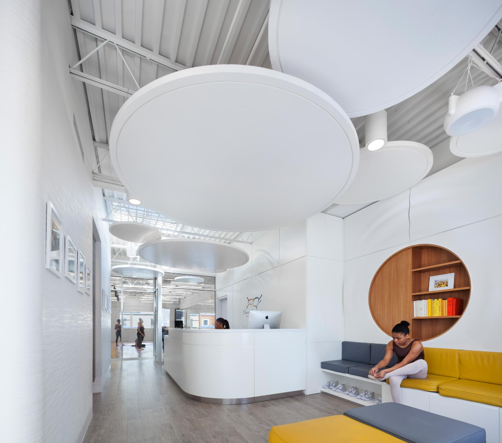Office Receptiondesign: Dwana Smallwood Performing Arts Center By JPDA