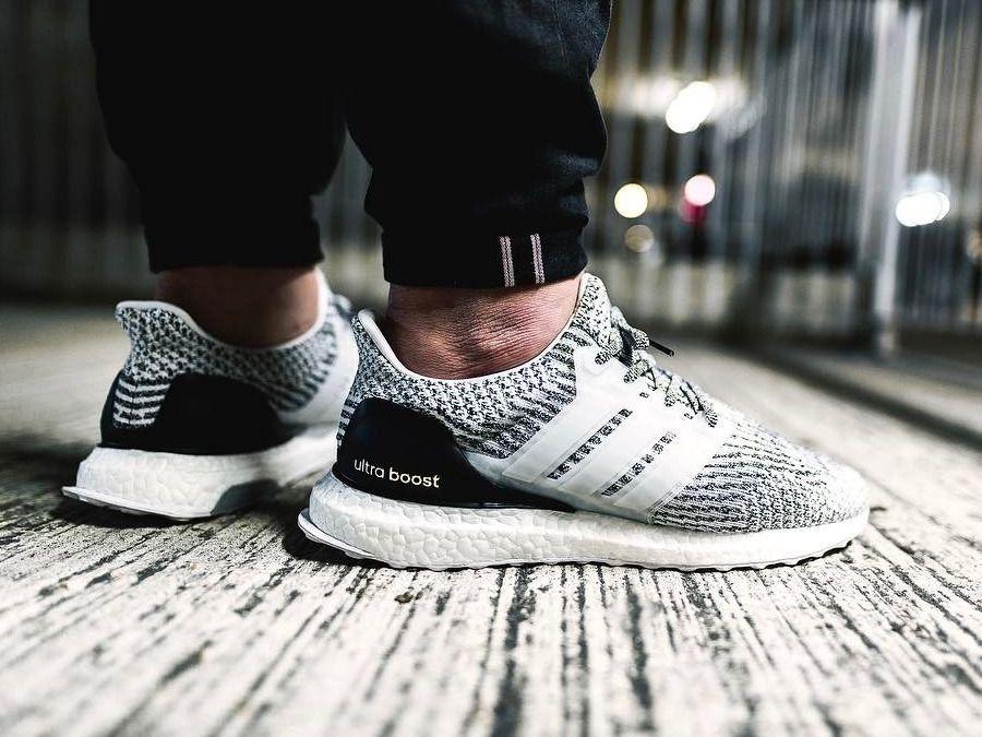 adidas ultra boost zebra