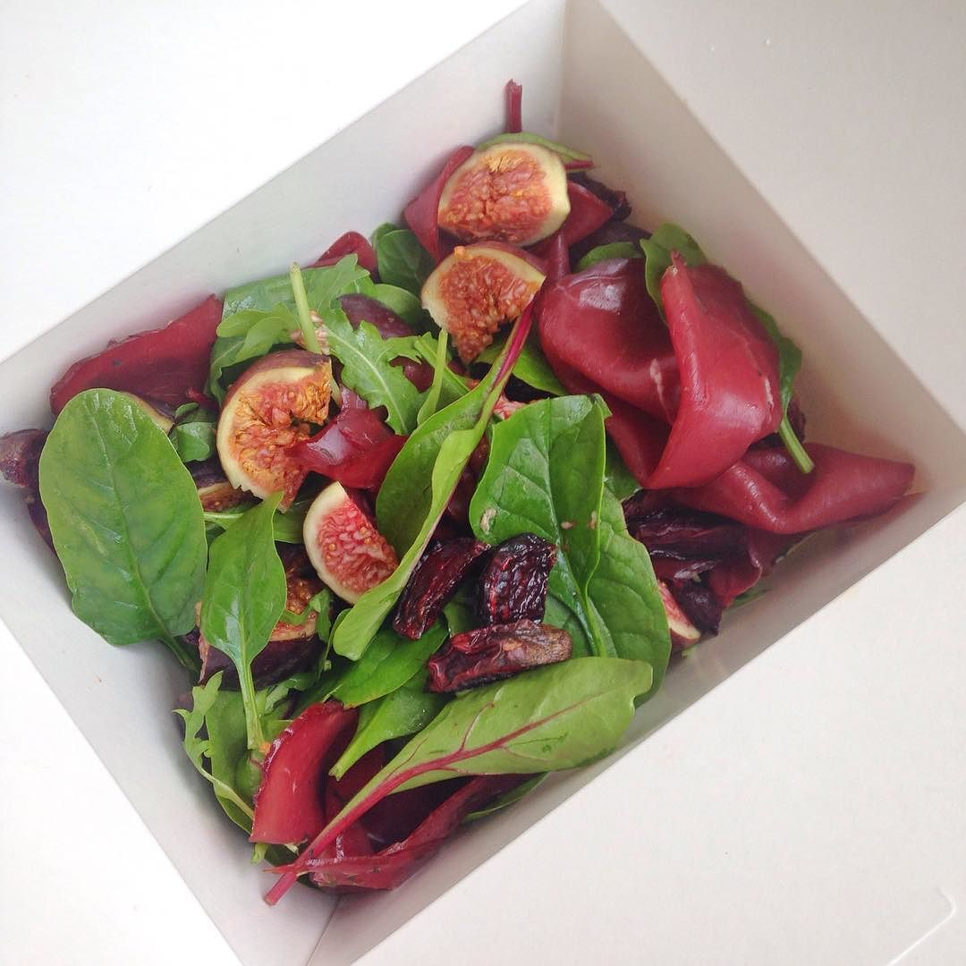 On my way to Heathow - so pleased that I packed this #seasonal salad with @farmdrop smoked venison from Weald smokers roast beetroots from mum's garden and figs from @boroughmarket to eat on the journey. Packed full of #lean #protein & #nutrients - should get me through to the plane to HK! Love the #autumnal colours - think #oxblood is colour of the season? #healthylifestyle #foodie #foodporn #healthyfoodporn #paleo #leangains #farmersmarket #yummy #fashion #foodblogger #hblogger #lowcarb…