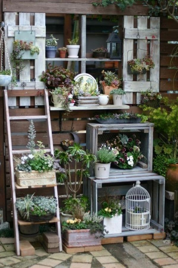 Spectacular DIY decorations with old wooden crates – How to reuse them creatively