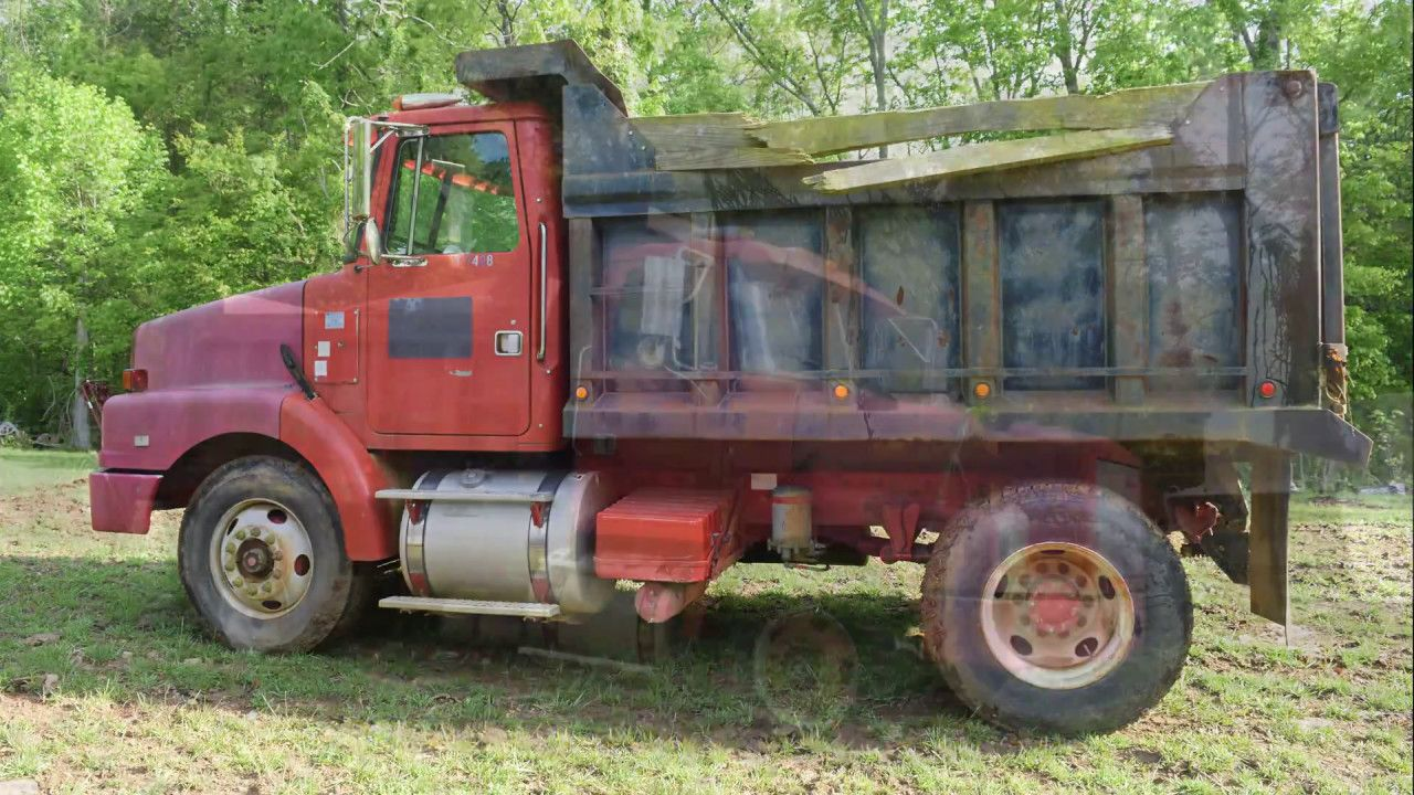 online auction ends 5 21 17 volvo dump truck selling from tennessee [ 1280 x 720 Pixel ]