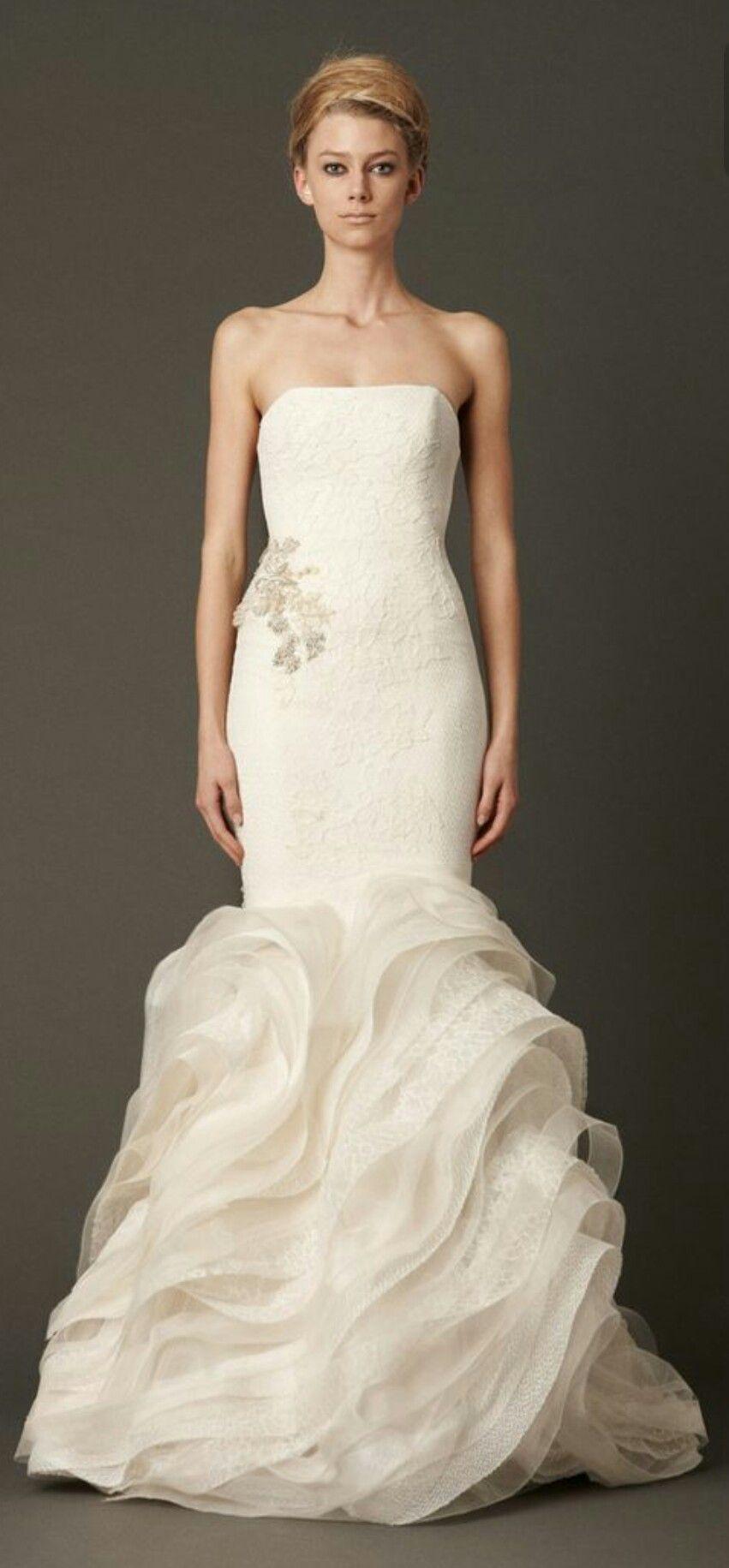 Vera Wang Lindsey Mermaid Silhouette Wedding Gown Wedding Dresses Vera Wang Vera Wang Bridal Designer Wedding Dresses [ 1831 x 851 Pixel ]