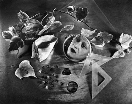 AUTORRETRATO, 1943