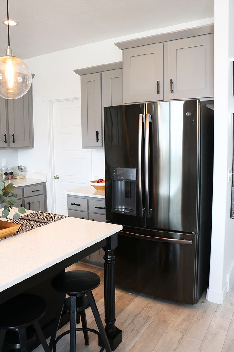 Tips On Styling Black Stainless Steel Kitchen Appliances Black Appliances Kitchen Stainless Steel Kitchen Appliances Appliances Kitchen Stainless Steel