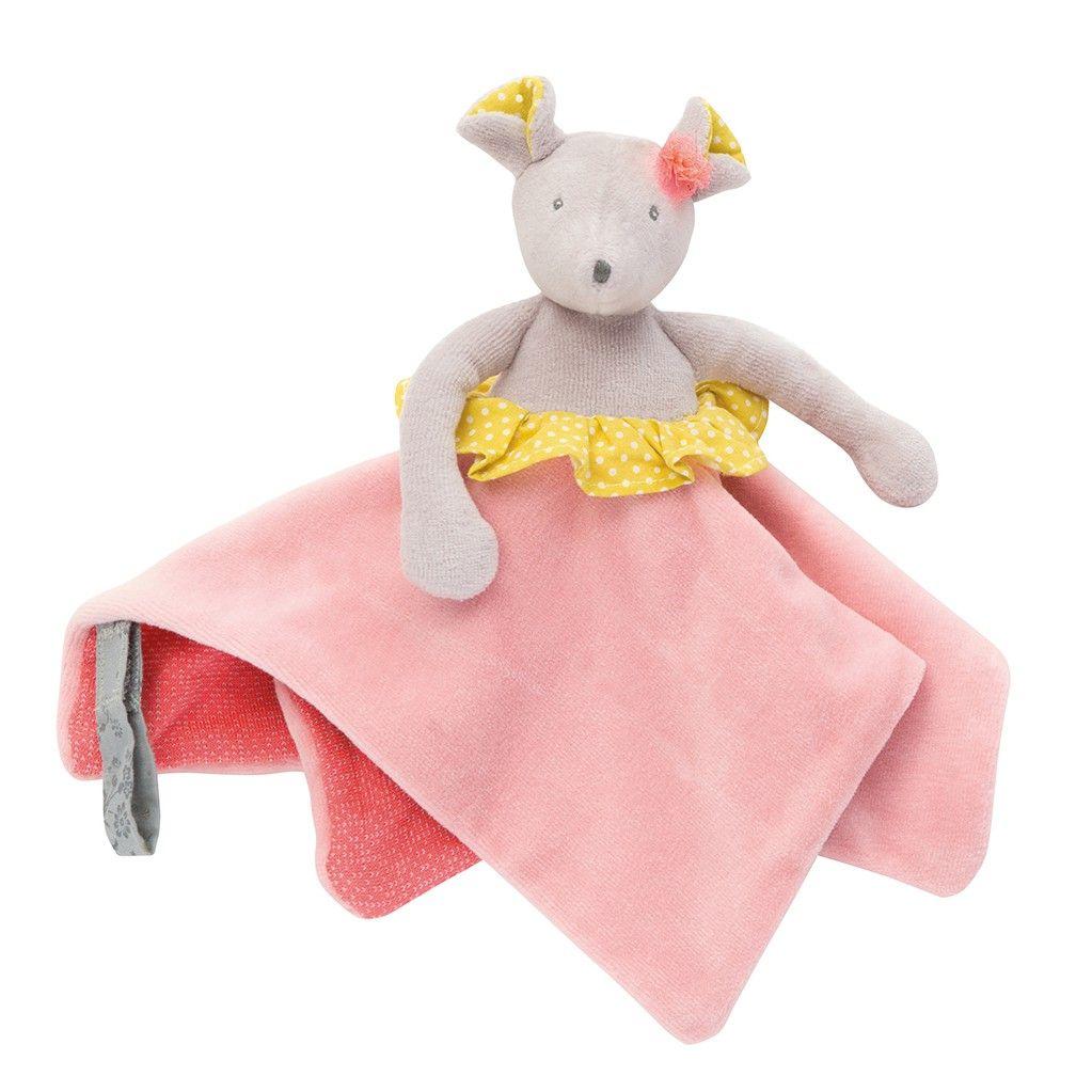 Doudou souris est en velours éponge et bouclette tout doux aux tendres couleurs des Papoum. Avec un lien scratch, il retient la tétine de bébé en toute sécurité. Il est facilement préhensible par les petites mains de bébé grâce à sa forme plate.