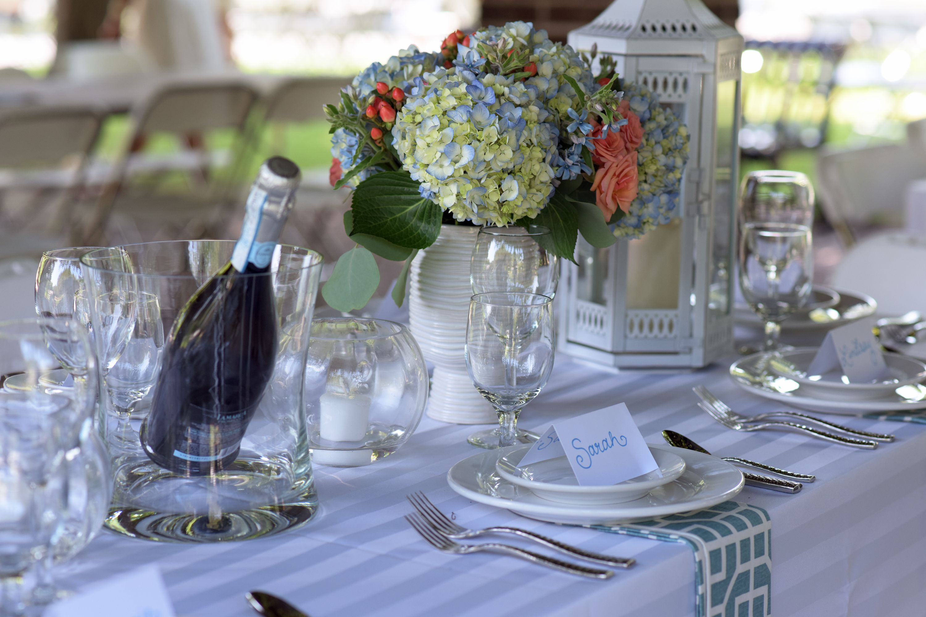 PopUp Dinner Twin Cities 2014u0027s VIP Table- We want ch&agne bottles that match all of our table settings! #handmadeevents #popupweddingsbyhme ... & PopUp Dinner Twin Cities 2014u0027s VIP Table- We want champagne bottles ...