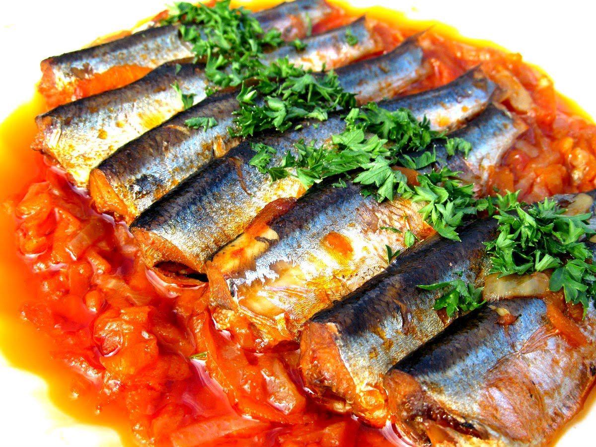 рецептура: рыба припущеная в томате.