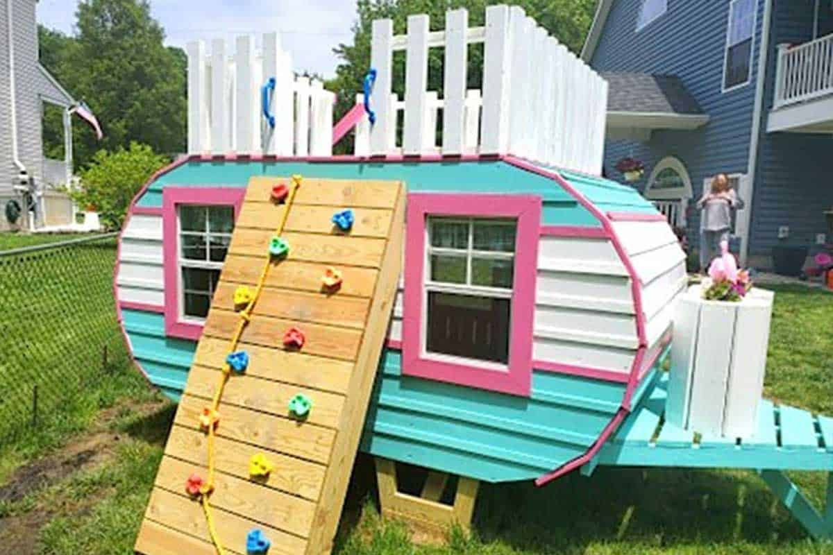 The Perfect Playhouse For Your Little Miss Play houses