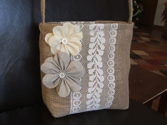 hermosas bolsas en yute conbinadas con detallen en crochet y mucho mas burlap bags. Black Bedroom Furniture Sets. Home Design Ideas