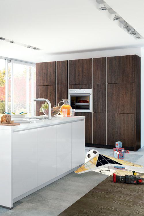 Hochschränke in der Küche schaffen viel Stauraum und sind optimal ...