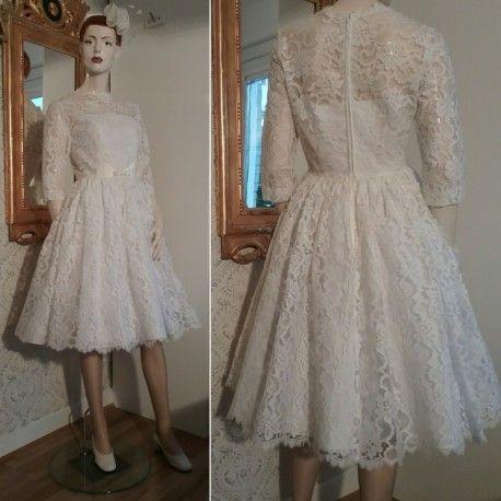 Vintage brudklänning spets med satinliv inuti vid kjol underkjolar 60-tal  50-tal 6e4995db92e43