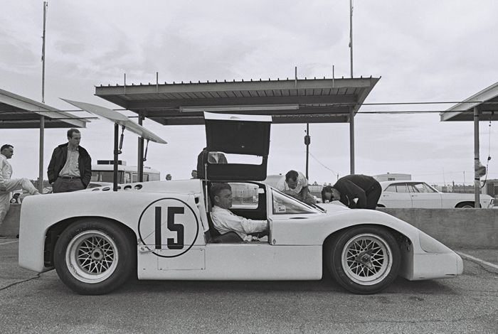 Chaparral 2F, the next evolution of the 2E concept with an enclosed cockpit. Powered by a 7 liter Chevy, the increased power resulted in unreliability of the automatic transmission. Eventually, the problems were overcome and the 2F would go on to win at Brands Hatch.