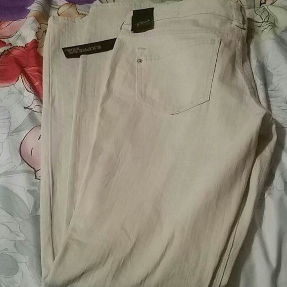 Express skinny jean Cream colored Stella regular fit low rise skinny jean.. Re-posh purchased but  unfortunately did not fit.  Only defect is small black mark shown on pic.. But can be covered with any portofino style top. .  loved them but too tight..I purchased them for $15 and selling at same price.. Great deal for brand new jeans.. Express Pants