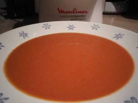 recette de soupe à la tomate, au chèvre frais préparée dans le Companion