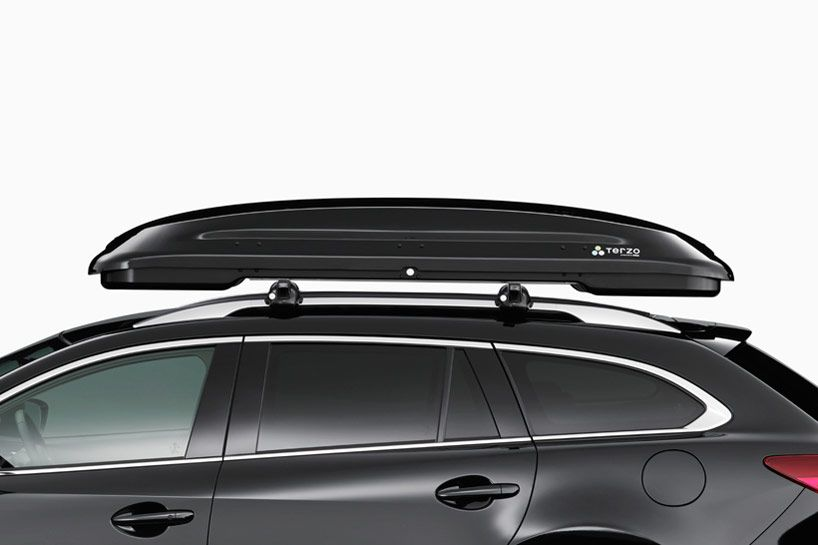 Symmetrically Designed Across All Four Sides The New Roof Cargo Box By Japanese Designer Nendo Was Created For Terzo A Japanese Car Car Car Carrier Car Cargo