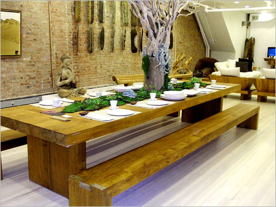 wood pallet dining table Photo wood pallet dining table Close up