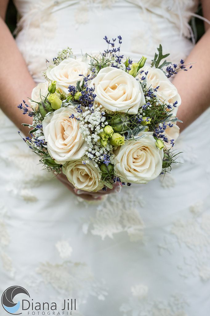 Bridal Bouquet August Some Of The Used Flowers Rose Lavender Baby S Breath Lisianth Blumenstrauss Hochzeit Lisianthus Brautstrauss Hochzeit Strauss
