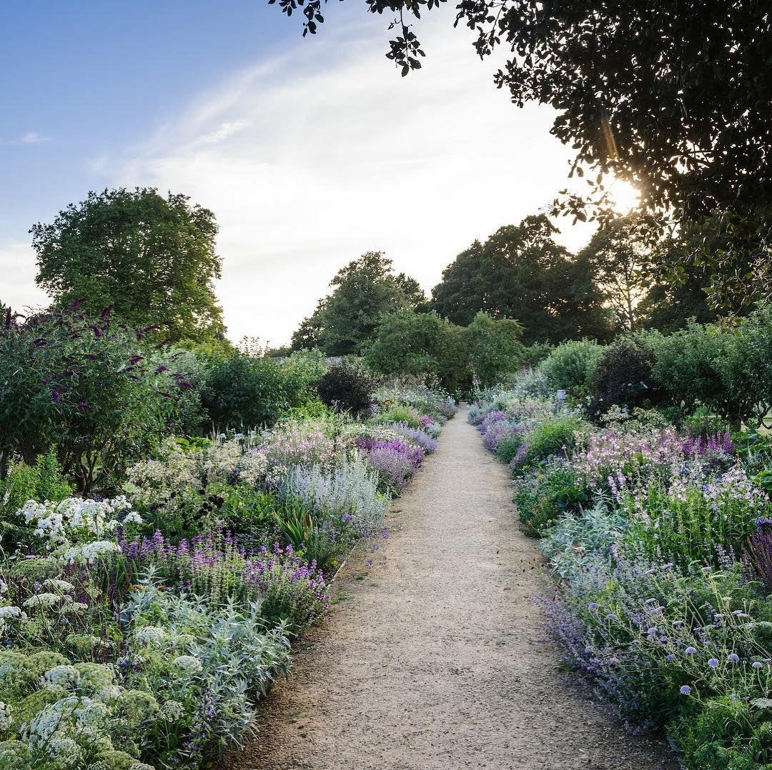 Photo of Trockene Garten – Parham House & Gardens (@parham Hausgärten) • Instagramkuvat ja videot
