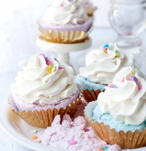 Badespaß Deluxe: Badebomben in Cupcake-Form selber machen