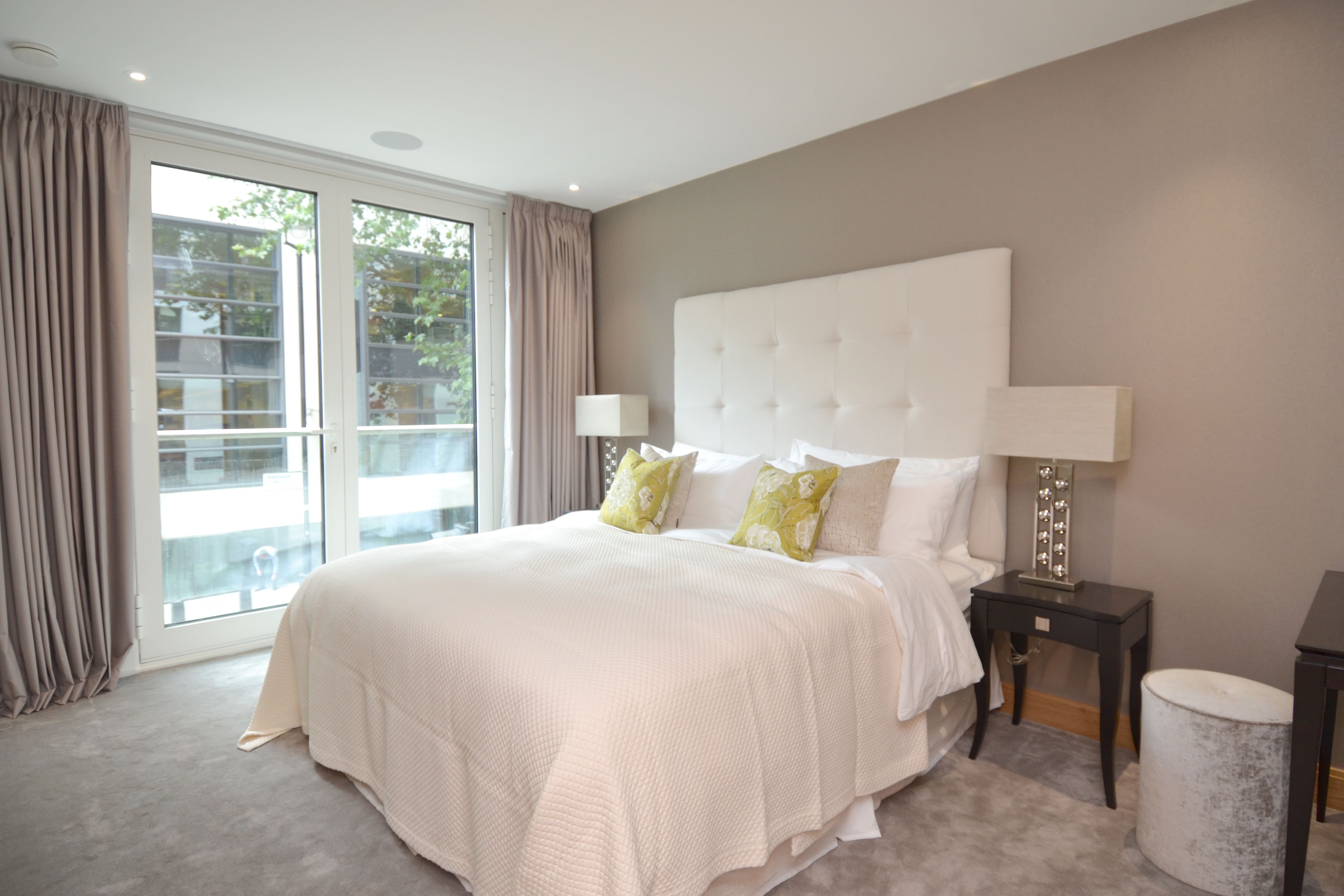 A three bedroom flat to rent in Westminster, SW1 for £