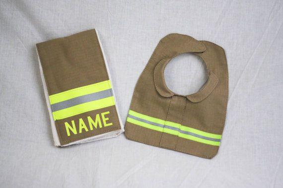 Feuerwehr Baby Burp Rag und Lätzchen gemacht von FullyInvolvedStch, $25.00