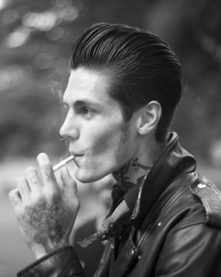 Rockabilly Pompadour Hairstyles For Men Mens Hairstyles Pompadour Mens Hairstyles Thick Hair Pompadour Hairstyle