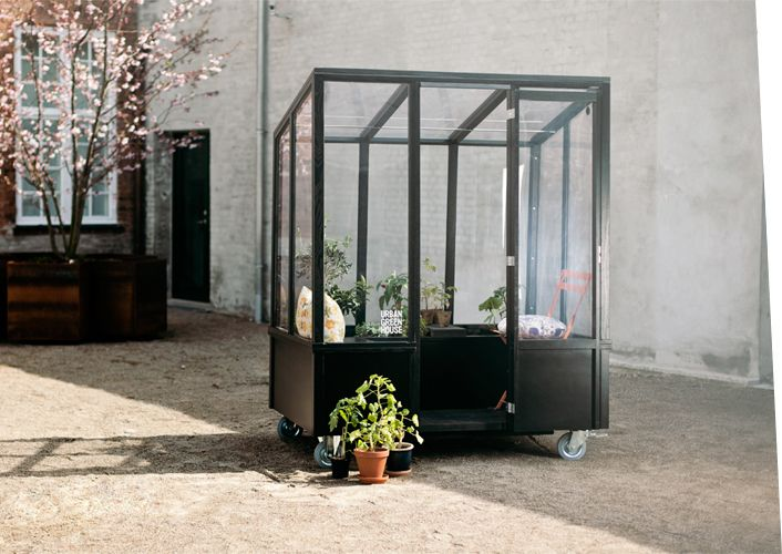 A Mobile Greenhouse For City Dwellers Greenhouse Greenhouse Plans Build A Greenhouse