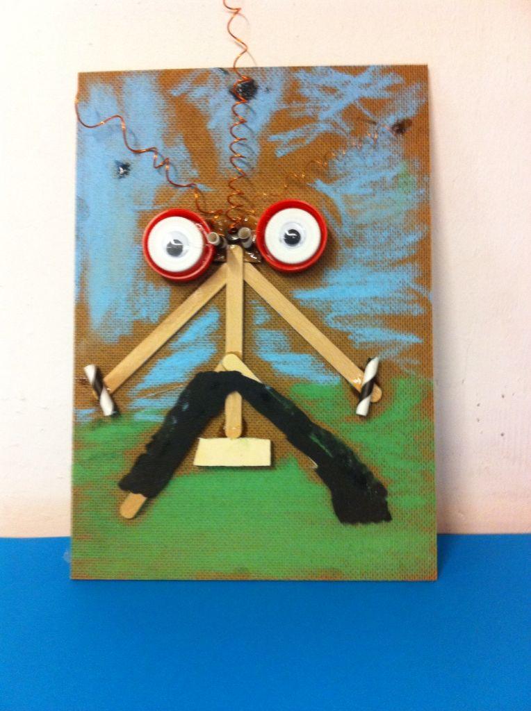 Groep 4/5 maak van restjes hout een schilderijtje. Laat de kinderen ook zelf wat stukjes figuurzagen.