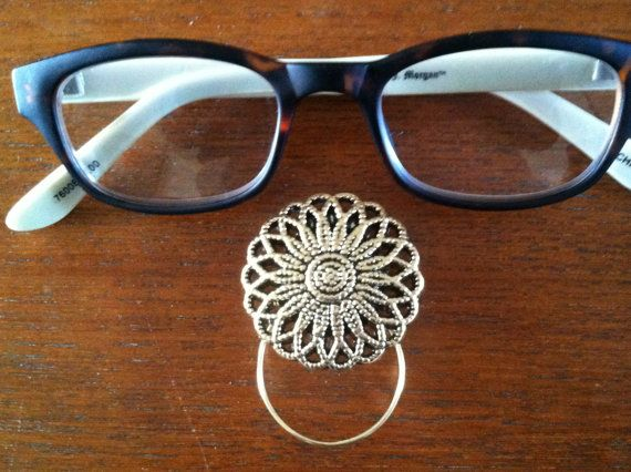 Hey, I found this really awesome Etsy listing at https://www.etsy.com/listing/173642747/the-mattie-gold-tone-flower-magnetic
