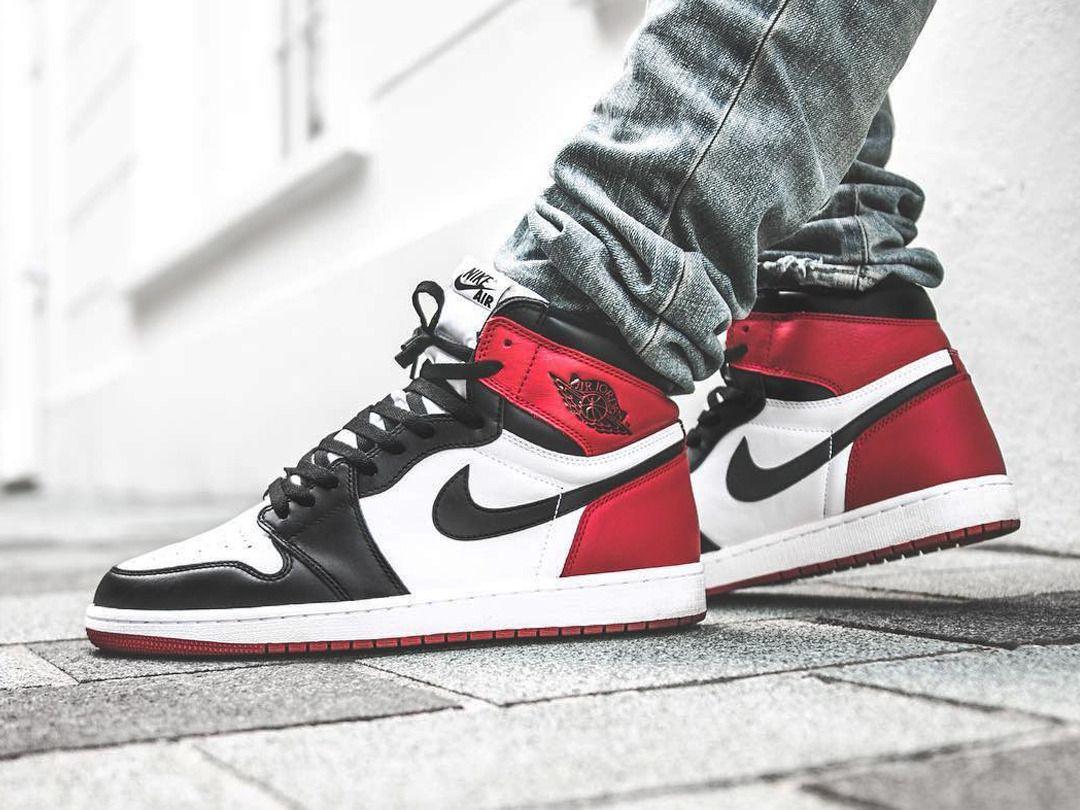 Nike Air Jordan 1 Retro  Black Toe  (by vivianfrank)  0c58723459