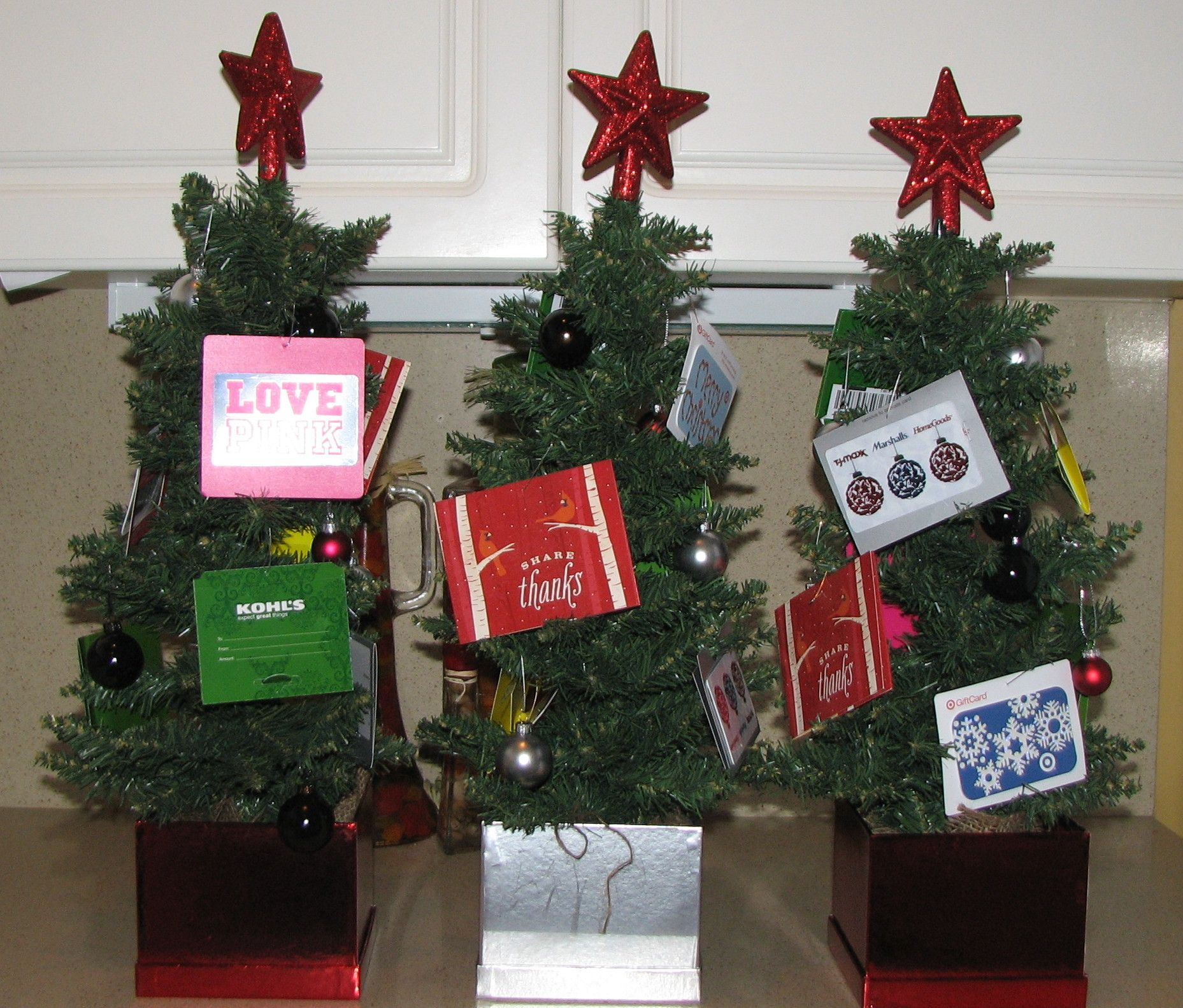 Gift Card Christmas Tree I Made For The Teachers Gift Card Tree Teacher Christmas Gifts Gift Card Bouquet