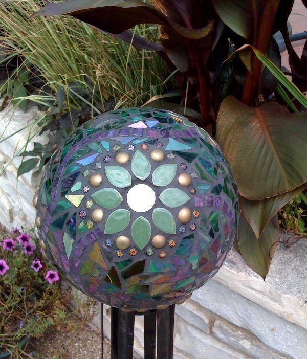 Glass mosaic decoration do it yourself craft ideas diy pinterest glass mosaic decoration do it yourself craft ideas solutioingenieria Image collections