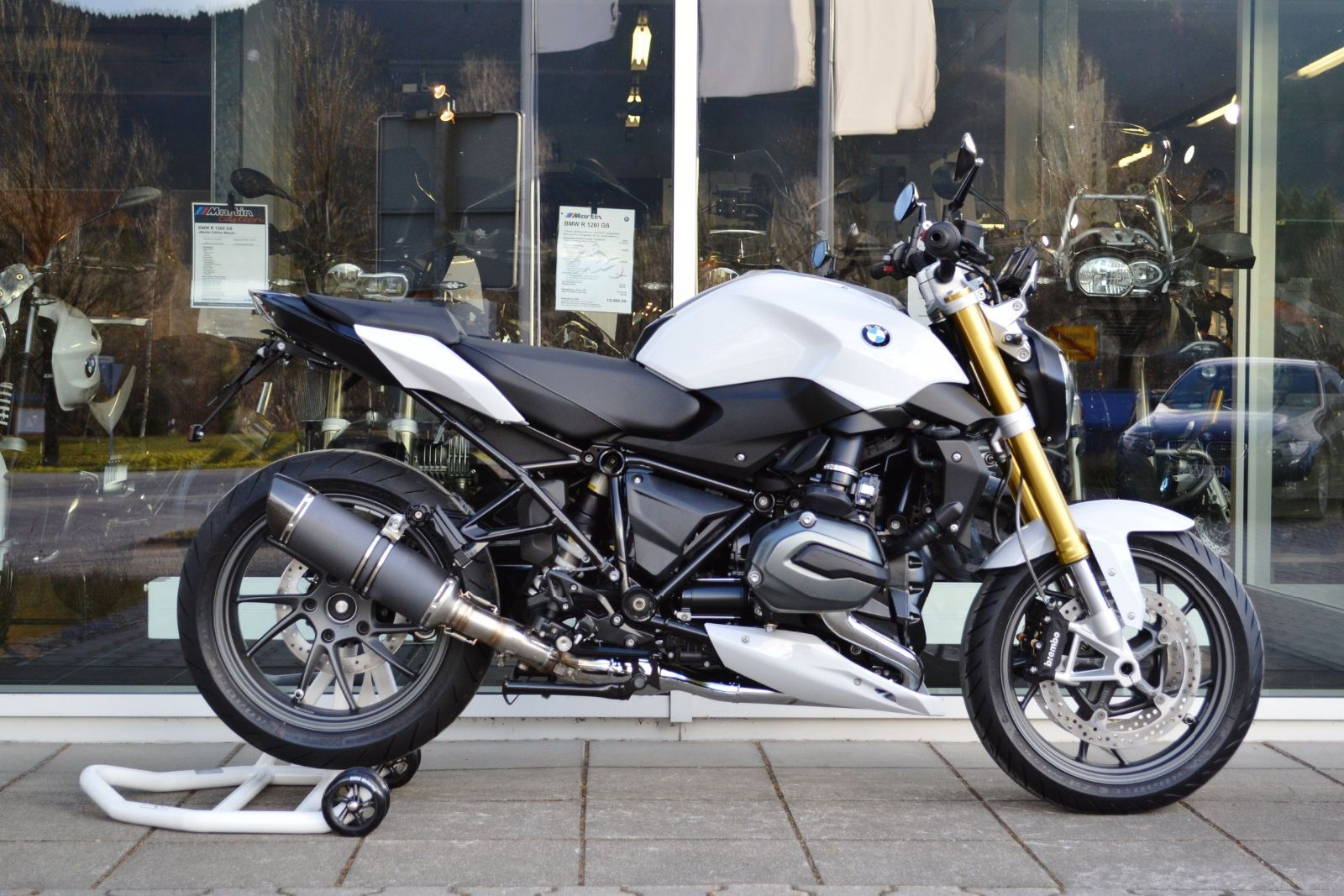bmw r1200r lc martin edition bmw r1200r voiture motos. Black Bedroom Furniture Sets. Home Design Ideas