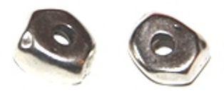 piedra irregular 13mm, paso 3mm, zamak baño de plata http://nellass.com/categories/CUENTAS-Y-ABALORIOS/ZAMAK/cuentas-y-rondeles/