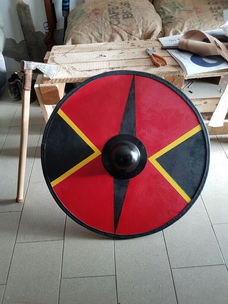Homemade Vikings Shield Viking Shield Viking Shield Viking Shield Design Medieval Shields