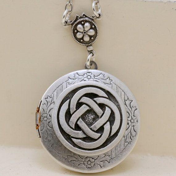 Celtic Kno tCladdagh Antique Locket