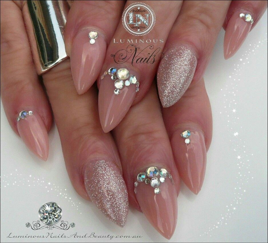 Strassz köves köröm | strassz köves körmök | Pinterest | Diamond nails