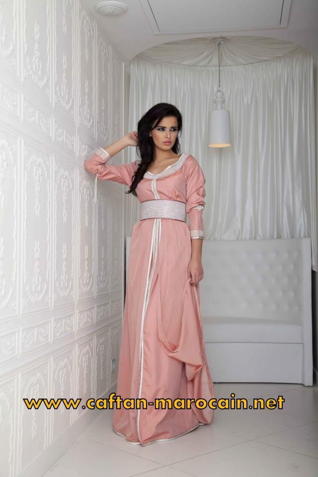 Robe orientale rose