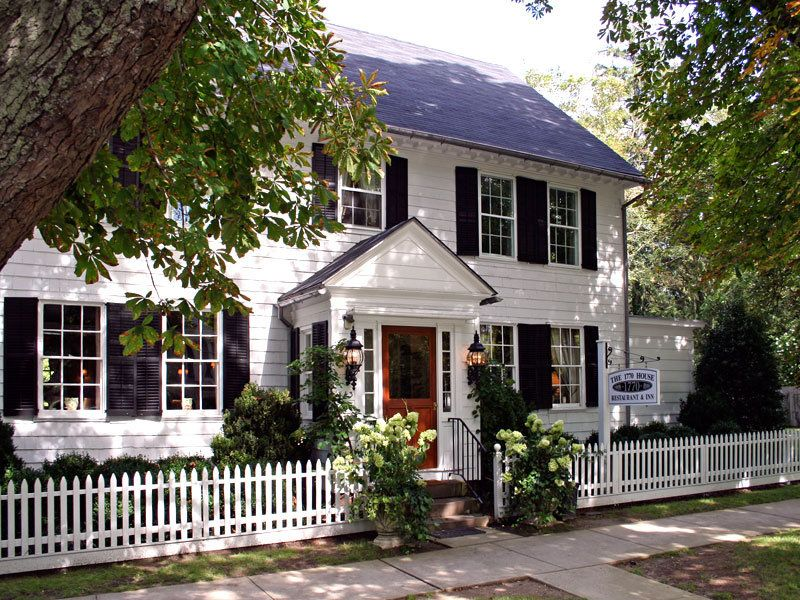 Best White Picket Fence In The Hamptons White House Black 640 x 480