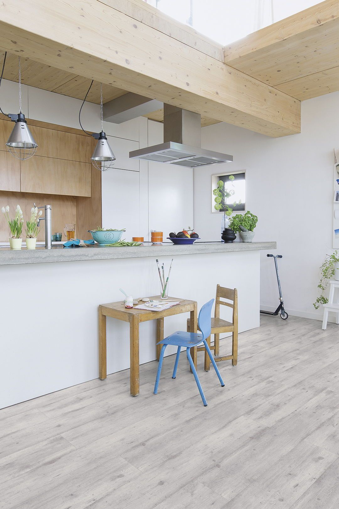 How To Choose The Perfect Kitchen Flooring Grey Laminate Flooring Kitchen Flooring Vinyl Flooring Kitchen