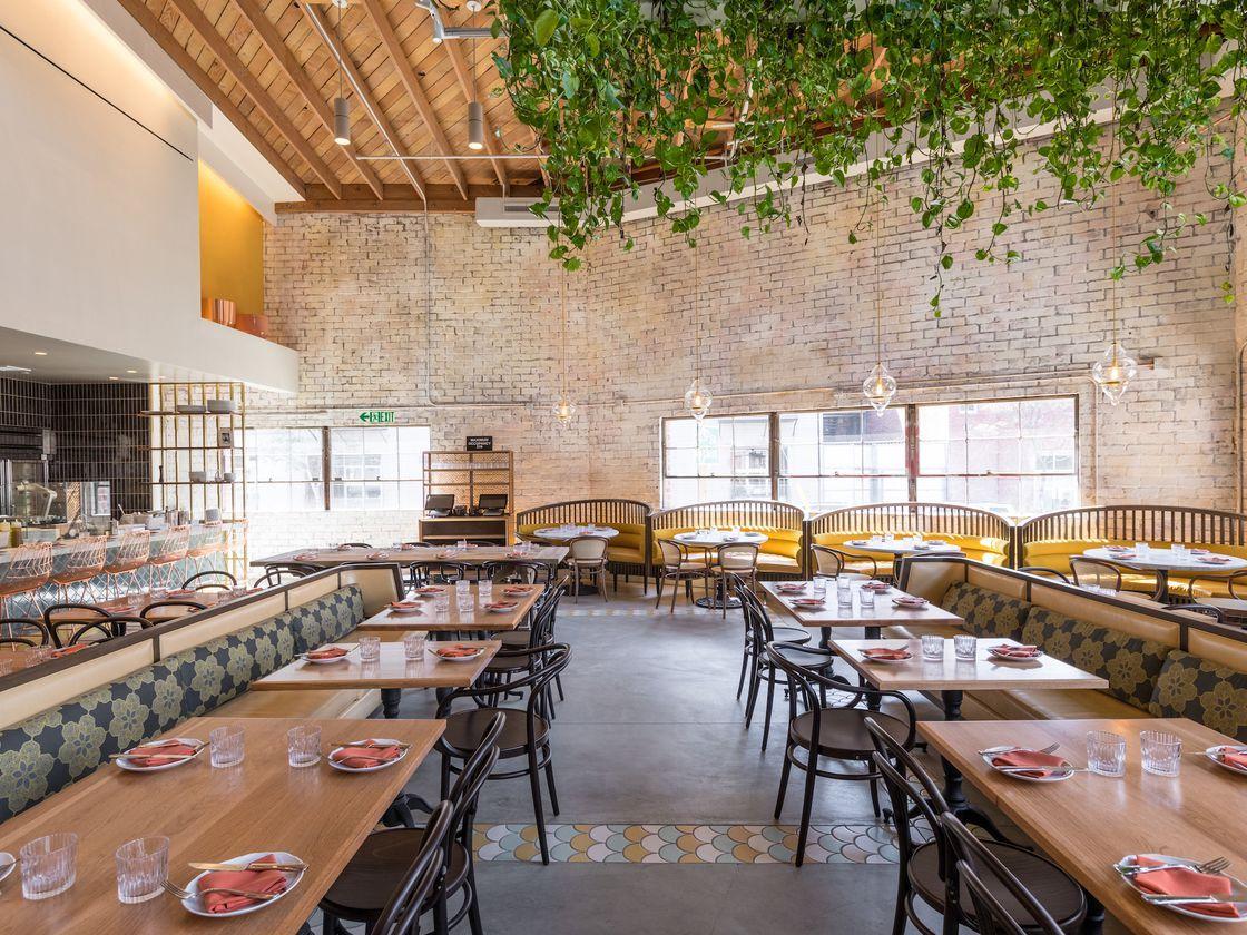 The 38 Best Restaurants In Los Angeles In 2020 Cozy Restaurant Restaurant Interior Restaurant Trends
