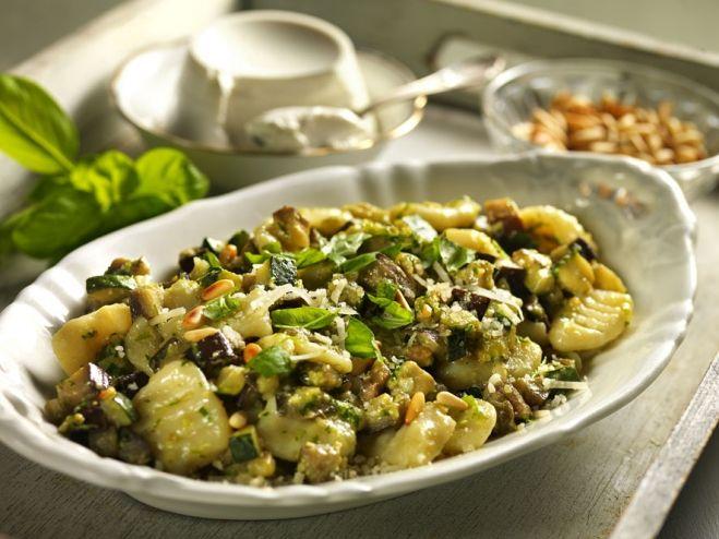 Recette Gnocchi met ricotta, aubergines, courgettes en pesto