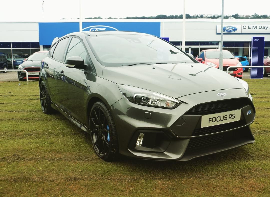 This Amazing Focusrs 2 3 Ecoboost 350ps Is Available At Our