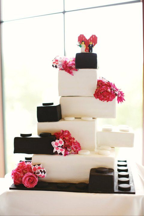 our lego wedding cake hochzeitstorte pinterest hochzeitstorte hochzeitstorte lego und. Black Bedroom Furniture Sets. Home Design Ideas