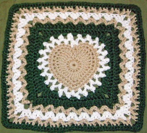 center heart square in green.. - free pattern thru Ravelry. ❥Teresa ...