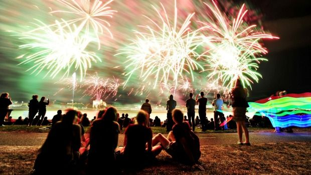 All you need to know about snapping fireworks with your smartphone.