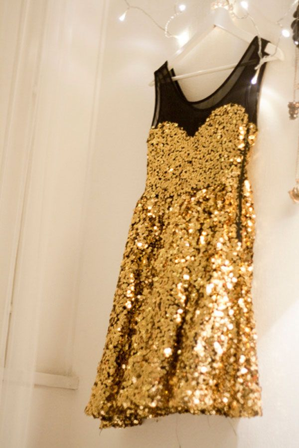 This looks like something I wore in drill team!!! I just need a gold glitter top hat to go with it!!