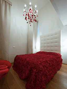 Life Is A Bed Of Roses | Maison Moschino | Milan   A Hotel In Milan