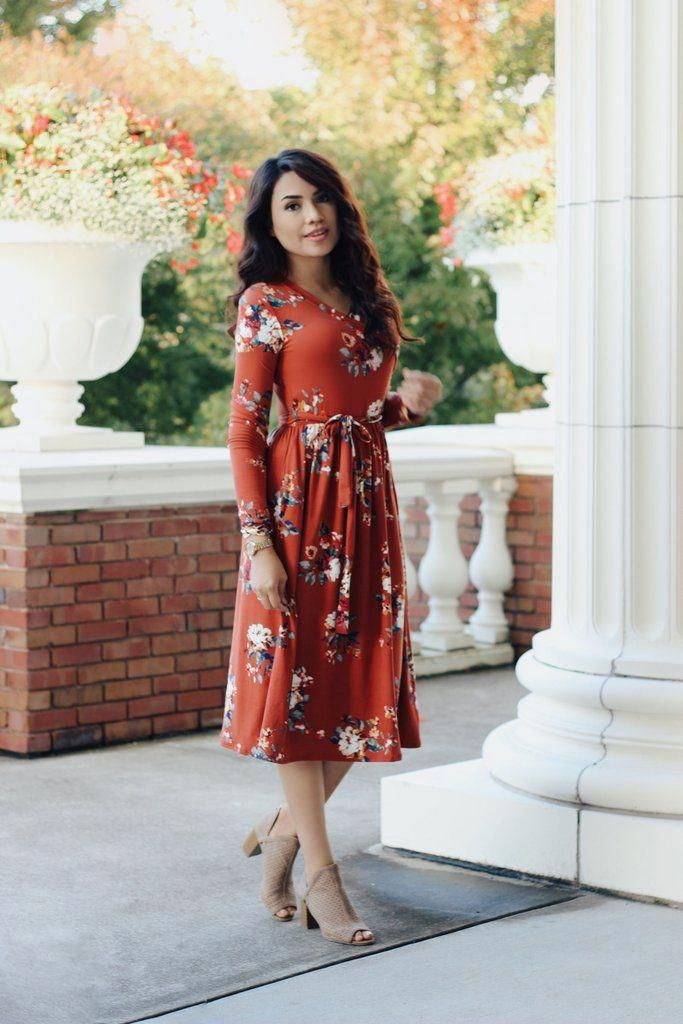 Fall Floral Dress. Modest Dresses. Pentecostal Fashion. Modest bridesmaids. Modest bride. #fallwomensfashion #churchoutfitfall